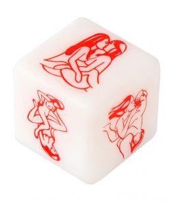 O Dado Posições Lésbico – Mulher x Mulher é um Jogo para adultos que desejam sair da rotina e inserir a diversão na sua intimidade! Contém 1 (um) dado com Ilustração de posições para você copiar e fazer com seu parceiro.