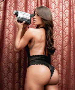 O Body feminino frente única é Confeccionado todo em renda, com Decote profundo na frente e nas costas.
